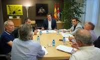El portavoz del Grupo Parlamentario Popular de las Cortes de Castilla y León, Raúl de la Hoz, se reúne con los secretarios generales de UGT y CCOO en la Comunidad, Faustino Temprano y Vicente Andrés.