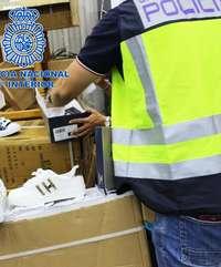 15 detenidos e investigados por vender objetos falsificados