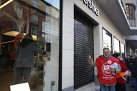 La huelga del comercio vacía las calles de clientes