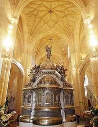 Devuelven a Gijón el Cristo y el sagrario de La Merced