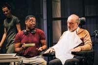 El Juan Bravo acoge la versión teatral de 'Intocables'