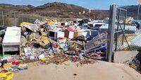 El PSOE critica el abandono de los puntos limpios
