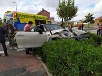 Dos heridos al fallar los frenos de su coche en Cañada Real