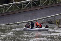 Al menos un muerto tras desplomarse un puente en Toulouse