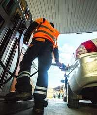 Un nuevo repunte de precios lleva a la gasolina a su máximo