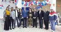 La VIII Feria de las Culturas llena de vida el Recinto