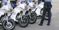 El Ayuntamiento vende 42 motos y 142 turismos de la Policía