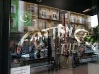 El sello es de color verde y estará visible desde el exterior de los negocios.