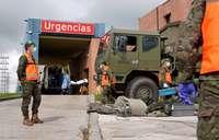 El Ejército instala varias tiendas de campaña junto al servicio de Urgencias de Hospital de Medina del Campo.
