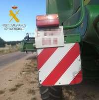 Imagen de la cosechadora con la placa falsificada.