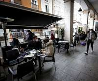 Imagen de la terraza de un bar en la ciudad de Burgos.