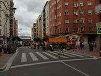 Una 'pantalla' de 60 toneladas bloquea Pérez Galdós