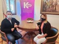 La directora de Marketing de Knet, Daisy Chong, se ha reunido con el alcalde de Ezcaray, Gonzalo Abajo.