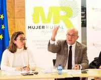 El consejero de Agricultura, Ganadería y Desarrollo Rural, Jesús Julio Carnero, presenta los resultados de la ''Encuesta de la mujer rural en los ámbitos agrarios y agroalimentarios''.