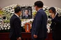 Hallan el cadáver del alcalde de Seúl