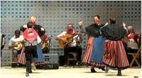 Bailes y jotas de El Harnero cerraron el Verano Cultural