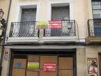 Carteles de Se vende y Se compra piso, en Logroño.