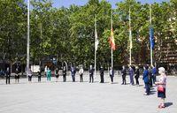 Minuto de silencio en la plaza del Ayuntamiento de Logroño.