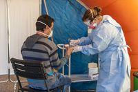 El Sescam realiza test rápidos a sanitarios y policías en La Peraleda