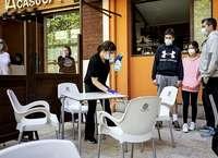 Más de 50 negocios sin terraza piden poder instalarla