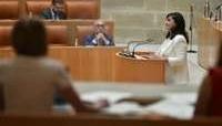 Concha Andreu en el Pleno del Parlamento de La Rioja