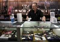 El coronavirus dispara la venta de armas en EEUU