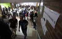 Imagen de archivo de las miles de personas se presentan a las oposiciones para profesor de Secundaria.