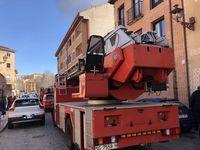 Desalojan dos edificios en San Millán por fuego en un garaje