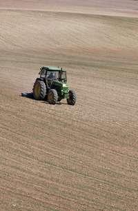 Imagen de archivo de un tractor.