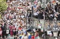 Garantizar la seguridad resulta imposible en eventos tan multitudinarios como el canto del Himno briviescano.