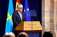 El jefe de la UCI del Hospital Gregorio Marañón y del grupo HM hizo un discurso emotivo que leyó sereno y con firmeza.