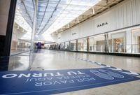 Los centros comerciales se preparan para reabrir el lunes
