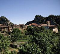 Los vecinos de San Zadornil, como los de Valpuesta, tienen las consultas de Atención Primaria en el Valle de Valdegobía y la atención hospitalaria en Vitoria (Álava).