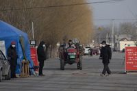 China eleva la cifra de muertes a 2.663 y 77.658 contagiados