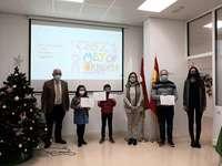 La AECC entrega premios del concurso de postales navideñas