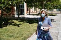 La consejera de Sanidad, Verónica Casado, ofrece las últimas novedades en rueda de prensa.