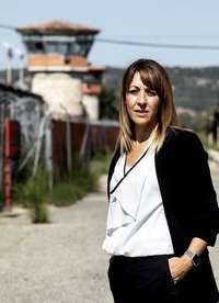 Elena Ramos, junto a la prisión provincial.