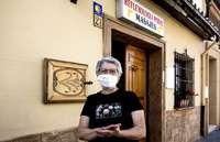Begoña Vaquero primero fue peregrina, después hospitalera y desde hace una década tiene una consulta de masaje y reflexología podal en Redecilla del Camino.