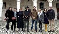 Visita de la delegación de Yuriria con el alcalde y concejales de Cuéllar junto a representantes de la localidad mexicana.
