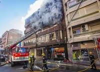 Un incendio deja tres afectados por inhalación de humo