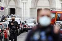 Hieren de bala a un cura ortodoxo en un templo en Lyon
