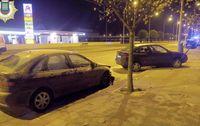 Dos detenidos tras chocar haciendo trompos contra un coche