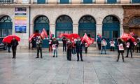 Concentración frente a la Diputación de UGT, que reclama el aplazamiento de las pruebas selectivas.