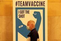 Los vacunados de EEUU podrán ir sin mascarilla en interiores