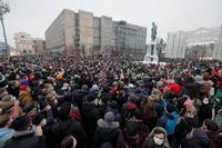 El Kremlin resta importancia a las protestas por Navalni