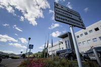 La mujer herida ha sido evacuada al hospital Santiago Apóstol de Miranda.
