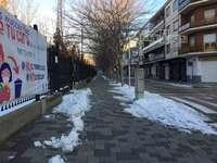 El dispositivo retiró la nieve para dejar las aceras transitables.