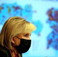 La consejera de Sanidad, Verónica Casado, durante la rueda de prensa celebrada este lunes.