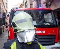 Imagen de archivo de un bombero en una intervención.
