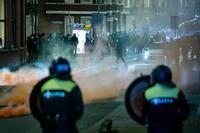 184 detenidos en la tercera noche de disturbios en Países Bajos